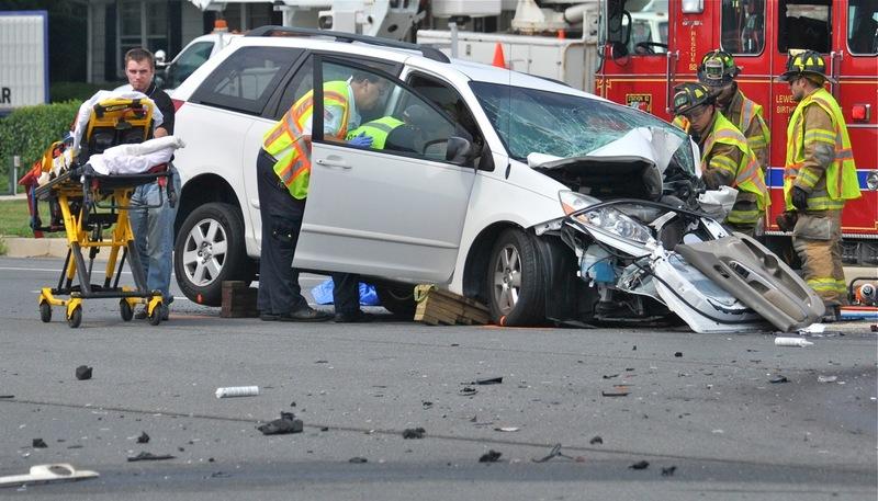 Car crash ties up Route 24 traffic | Cape Gazette