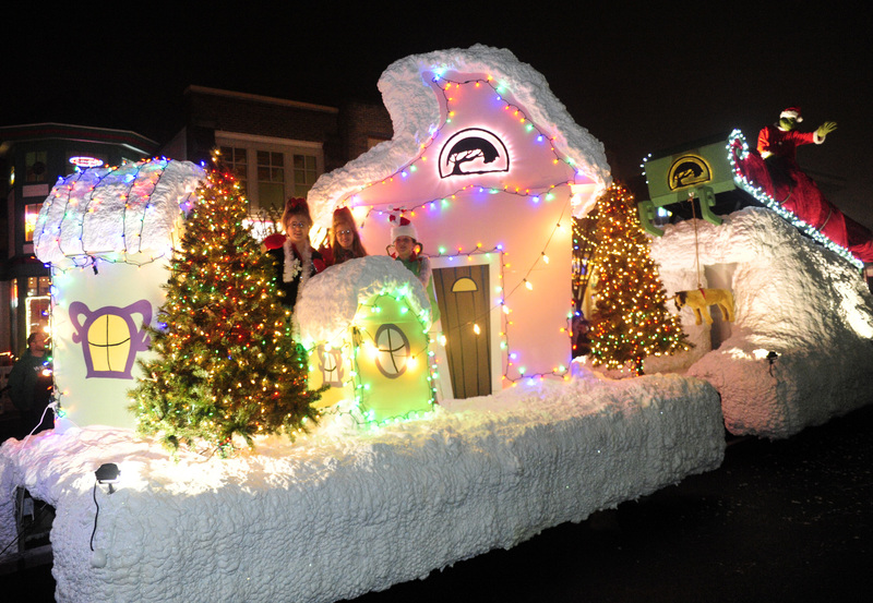 The Grinch Christmas Float Ideas.Rehoboth Christmas Parade Brings Santa And Smiles To Many