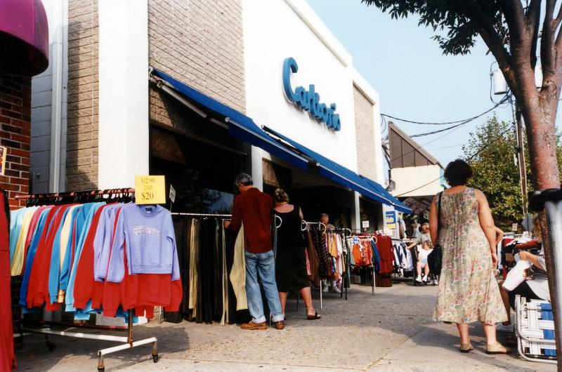 Sidewalk Pers Search For Bargains Outside Carlton S In Rehoboth Beach Submitted Photo