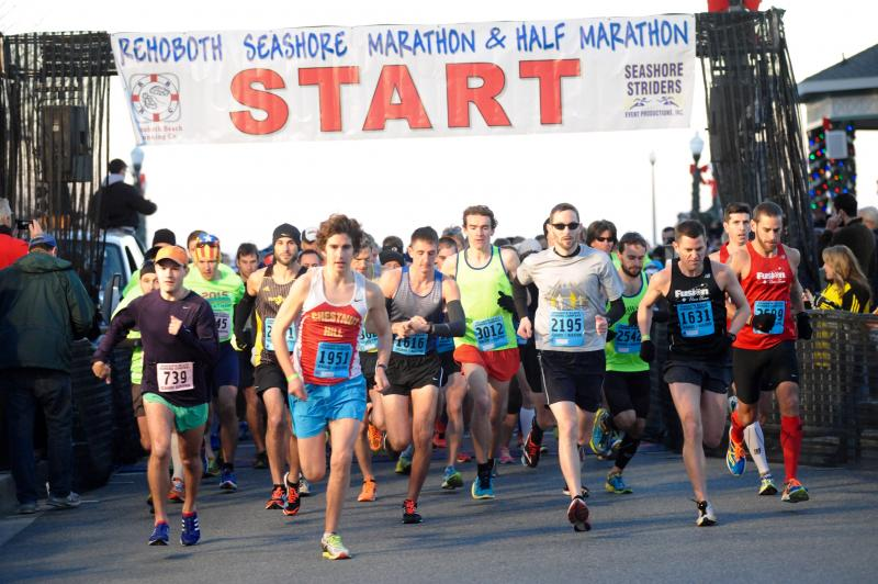 The Race Starts At 7 A M For 3 000 Runners With Computer Chip Timing Dave Frederick Photo