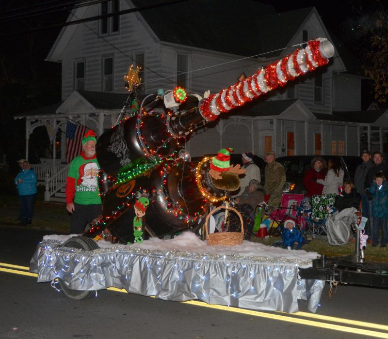 Lewes Christmas Parade Ushers In The Season Cape Gazette