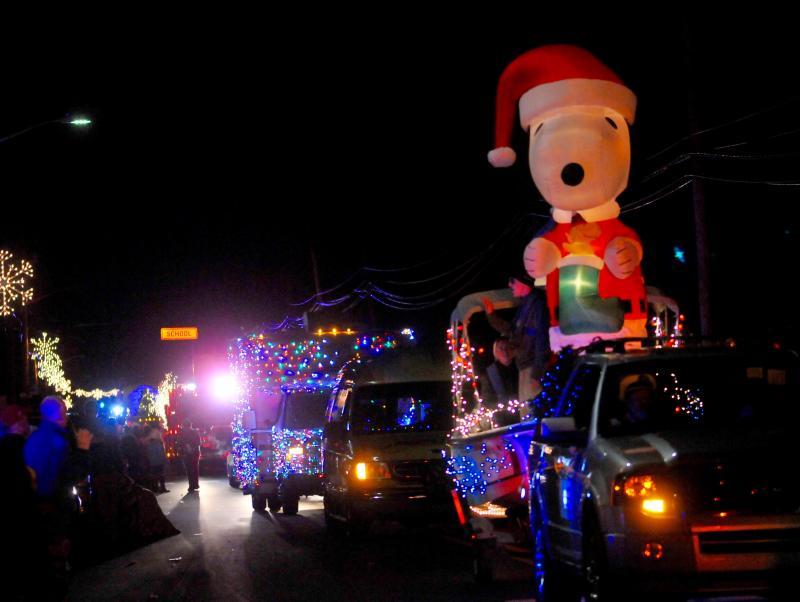 Lewes Christmas Parade ushers in the season | Cape Gazette
