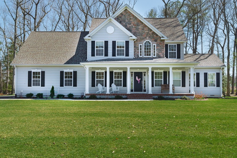 New single family homes on secluded wooded lots cape gazette for Modern single family homes