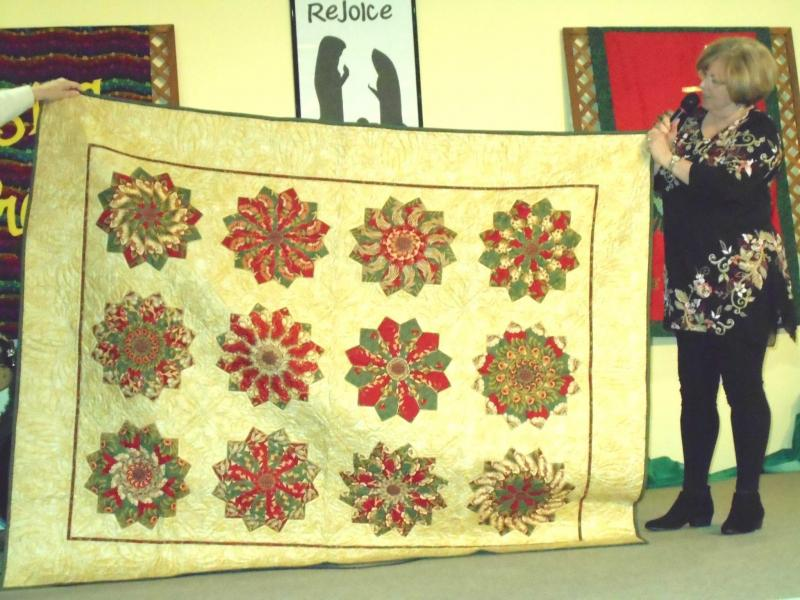 Winter-themed quilts to be displayed at gingerbread contest Dec. 9 ... : ocean waves quilt guild - Adamdwight.com