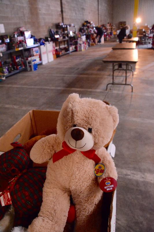 Toys For Tots Bear : Santa is dressed in colors of marine corps league cape