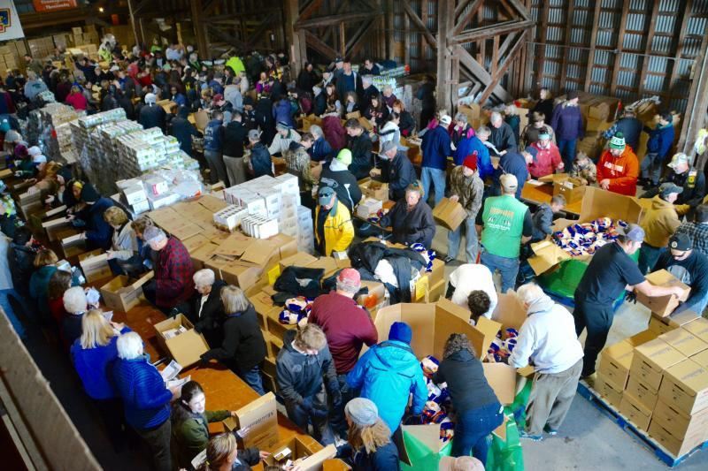 Mountaire Farms Seeks Volunteers To Pack 2 500 Food Boxes