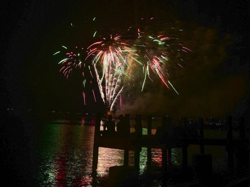 Dewey Beach fireworks brighten bayside