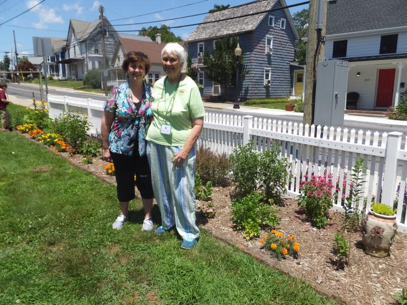 Enjoyable Womens Club Of Milton Dedicates Pollinator Garden Cape Cjindustries Chair Design For Home Cjindustriesco