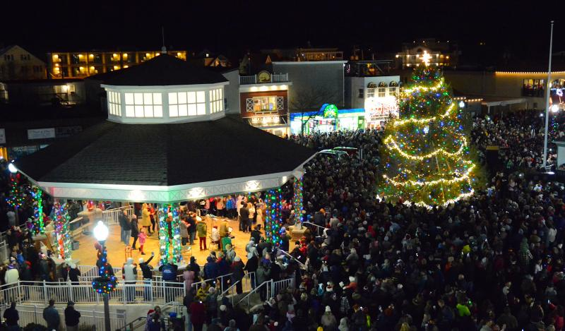 Rehoboth Beach Christmas Parade 2021 Rehoboth S Tree Is Lit Let The Holiday Season Begin Cape Gazette